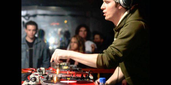Teebee - Live @ Global Groove FM (09.07.01)